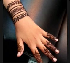 Finger Henna Designs, Mehndi Designs For Girls, Unique Mehndi Designs, Henna Designs Easy, Mehndi Designs For Fingers, Beautiful Henna Designs, Latest Mehndi Designs, Mehandi Designs, Mehendi