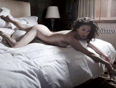 Hall issue nude regina allure