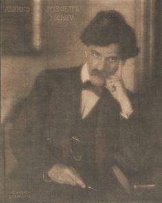 Alfred Stieglitz, by Heinrich Kühn, 1904 by geh.org in sepia tones