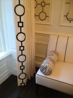 TG interiors: Classic Black and white Decor.