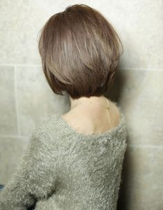前下がり小顔ショートボブ(YR-329) | ヘアカタログ・髪型・ヘアスタイル|AFLOAT(アフロート)表参道・銀座・名古屋の美容室・美容院
