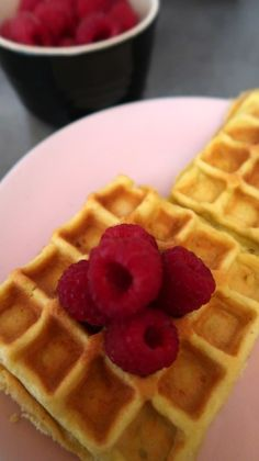 Keto Waffles Recipe - Easy Low Carb Waffle Breakfast With Coconut Flour Keto Waffle, Waffle Toppings, Easy Waffle Recipe, Waffle Recipes, Low Carb Granola, Low Carb Waffles, How To Make Waffles, Roasted Vegetable Recipes, Batter Recipe