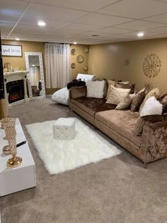 Cute Living Room, Decor Home Living Room, Home Bedroom, Living Room Designs, Home And Living, Home Decor, First Apartment Decorating, Dream House Interior, Living Room Inspiration