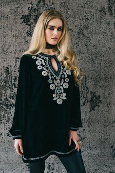 Amor Eterno Tunic Content: Silk Blend Velvet - 65% Viscose, 35% Silk Delivery: Late October