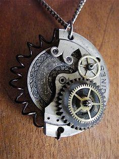 Pendetif avec mouvement de montre