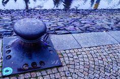 'Don't leave' December 18 2016  #vlogdave #youtuber #photography #fotografie #photographer #photographyislife #bremen #germany #vscogermany #oakreport #docks  #hafen #weser #river #instagood #instadaily #colors #colorful #snapshot #beautiful #exploring #explorer #neverstopexploring #urban