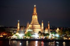 The sights and sounds of Bangkok during the day can be quite overwhelming but you'll be surprised by the exquisite evening scenery. Wat Arun Temple of Dawn. . . . #bangkok #thailand #temple #night #chaopraya #river #nightphotography #travel #travelling #beautiful #instamood #instagood #instacool #nice #travelgram #amazing #stunning #travelpic #holidays #vacation #followme