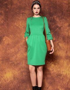 Grünes Kleid mit Tulpenrock