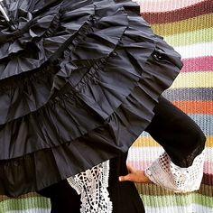 """Design-Schirm """"Mia"""" * #brautschirm #hochzeitsschirm #hochzeit #wedding #umbrella #boho #bohochic #bohemian #store #lifestyle #design #fashion #accessories #streetstyle #sunshine #rain #rainyday #print #exclusive #rainyweather #vonlilienfeld #singingintherain #schirm #regenschirm #travelinstyle #raindrops #dontworry #behappy #designer #parasol ☔️"""