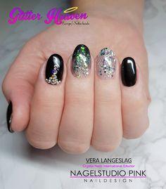 #veralangeslag #nagelstudiopink #nails #arnhem #sparkle #nailart #glitter #crystalnails #crystalac #nailart #glitter #glitterheavene #nailfetti