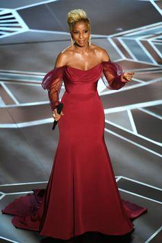 60cd371f01c9de Mary J. Blige s 2018 Oscars Performance Dress. Red Carpet GownsStunning  DressesFormal ...