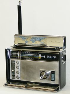 Zenith Trans-Oceanic D7000.  The last of the American built Zeniths