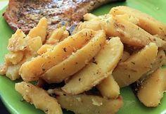 La meilleure recette de PDT en potatoes fondantes au COOKEO! L'essayer, c'est l'adopter! 5.0/5 (1 vote), 1 Commentaires. Ingrédients: 1 kg 500 de pomme de terre 1 petit oignon 4 gousses d'ail 1 C à soupe rase de paprika herbes de provence 30 cl de bouillon de boeuf sel beurre une noisette 1 C à soupe d'huile