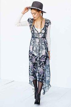 Kimchi Blue Daisy Daze Maxi Dress 98.00