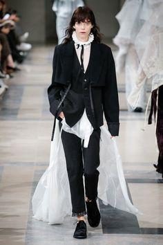 Ann Demeulemeester Fall 2017 Ready-to-Wear Fashion Show - Meghan Collison