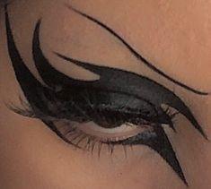 Makeup Eye Looks, Eye Makeup Art, No Eyeliner Makeup, Pretty Makeup, Makeup Inspo, Makeup Inspiration, Emo Eyeliner, Doll Eye Makeup, Thick Eyeliner