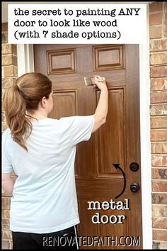 Tired of having an ugly metal or fiberglass front door? The entrance of your home is the first impression which makes painting wood grain on a steel door a budget-friendly way to upgrade - if it's done right! This easy step-by-step tutorial with video will show you how to make a metal door look like stained wood with latex paint samples and glaze! This process is also great for interior doors, fiberglass doors and even garage doors. Also, you can apply a more rustic farmhouse other shades Painting Metal Doors, Painted Doors, Painting On Wood, Furniture Projects, Diy Furniture, Diy Projects, Home Renovation, How To Make Metal, Inviting Home