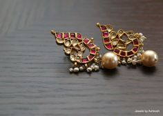 Jewelry Design Earrings, Gold Earrings Designs, Mom Jewelry, India Jewelry, Bead Jewellery, Temple Jewellery, Necklace Designs, Antique Jewellery Designs, Antique Jewelry