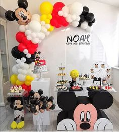 Mickey Party, Mickey Mouse Birthday Decorations, Mickey 1st Birthdays, Mickey Mouse Balloons, Fiesta Mickey Mouse, Theme Mickey, Mickey Mouse Clubhouse Birthday Party, Mickey Mouse 1st Birthday, Baby Boy 1st Birthday Party