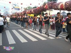 Longest Human Snake taken during the Bacolaodiat Festival (Chinese New Year Celebration being held together with Filipinos and Chinese) Bacolod City, Philippines