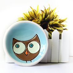 Ceramic Owl Plate Dish in Turquoise Brown and Green with Orange Beak Trinket Ring Holder Ceramic Owl, Ceramic Animals, Ceramic Clay, Ceramic Pottery, Pottery Painting, Ceramic Painting, Painted Plates, Hand Painted, Hand Carved