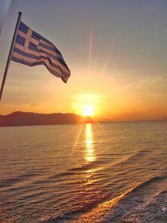Nothing better than the #Greek sunset ! #YachtcharterGriechenland