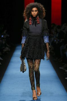 http://www.vogue.com/fashion-shows/fall-2016-ready-to-wear/dsquared/slideshow/collection