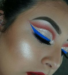Great for of July Great for of July Related posts:love-this-pic-dot-com: July nail tutorial - of amazing American flag inspired nails - classic awesome fourth of july nail design ideas # ideas design . Bold Makeup Looks, Holiday Makeup Looks, Lots Of Makeup, Simple Makeup, Makeup Goals, Makeup Inspo, Makeup Inspiration, Beauty Makeup, Face Makeup