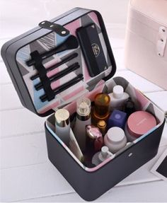 Amazon   SZTulip コスメボックス メイクボックス 大容量収納ケース メイクブラシ化粧道具小物入れ 鏡付き 化粧品収納ボックス (ブラック)   SZTulip   メイクボックス 通販