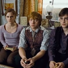 Rupert Grint, Daniel Radcliffe and Emma Watson in Harry Potter and the Deathly Hallows: Part 1: http://www.newmovieshouse.com/2010/Harry-Potter-and-the-Deathly-Hallows-Part-1/