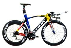 LOOK Mondrian, an exclusive triathlon and time trial bike with a paint job!