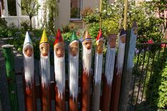 Gnomes fence ~ for that crazy Gnome lady....