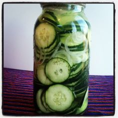 Easy Fermented Cucumbers (Pickles)*/cucina macrobiotica