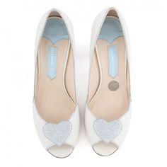 Zapatos de Novia Peep Toe con tacón block modelo Andrea Silver de Charlotte Mills ➡️ #LosZapatosdetuBoda #Boda