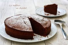 Moelleux au chocolat (bien gonflé et aérien) Just Desserts, Delicious Desserts, Sweet Recipes, Cake Recipes, Beautiful Desserts, Cooking Chef, Chocolate Desserts, Caramel Apples, Love Food