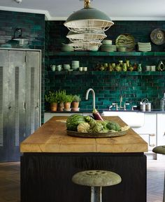 Is it true that you are searching for some unordinary yet infectious and appealing kitchen plan? At that point for what reason don't you decide on a green kitchen? Green kitchen is inventive and this kitchen structure looks rich as… Continue Reading → New Kitchen, Kitchen Decor, Kitchen Rustic, Kitchen Country, Kitchen Black, Kitchen Industrial, Decorating Kitchen, Industrial Farmhouse, Industrial Bedroom
