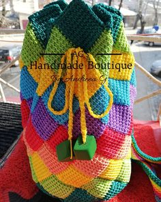 It was a challenging patter, but I am very proud of the result💚💛💙💜🧡❤️ Secondary Color, Primary Colors, Crochet Backpack, Macrame Cord, New Product, Straw Bag, Backpacks, Boutique, Blanket
