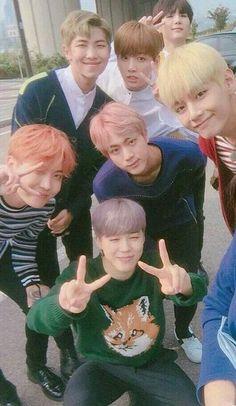 𝐁𝐓𝐒 𝐈𝐌𝐀𝐆𝐈𝐍𝐄𝐒 | 𝐟𝐢𝐧. - HAPPY BTS DAY!! 💕💕💕💕 - Wattpad Namjoon, Jimin Jungkook, Bts Bangtan Boy, Seokjin, Bts Lockscreen, Foto Bts, K Pop, Save Me Bts, Park Jimim