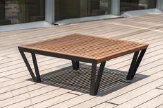 Mesa mobiliario urbano Libertad