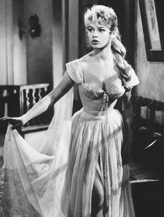 Brigitte Bardot, The Bride Is Too Beautiful, 1956 Classic Hollywood, Old Hollywood, Divas, Bridget Bardot, Brigitte Bardot Movies, Vintage Gentleman, Paris Match, Cinema Movies, French Actress