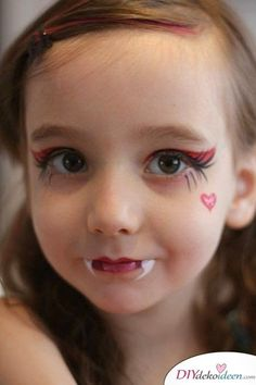 11 Halloween Costume Ideas for Kids - Make Eerie Costumes 11 Halloween Costume Ideas for Kids – DIY Vampire Costume Make Up Face Painting Rosto Halloween, Girls Vampire Costume, Vampire Costumes For Kids, Scary Costumes, Girl Costumes, Halloween Infantil, Cute Halloween Makeup, Face Painting Halloween Kids, Children's Face Painting