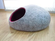 Pet bed / cat bed / cat cave / puppy bed / cat house / pet furniture. Two color felted cat bed s, m, l, xl or xxl sizes