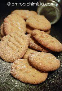 Biscotti di Farina Integrale al Burro di Arachidi