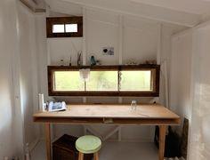 I like the desk.