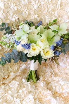 We are bursting for these blooms. Event Design: Cloud Nove Events #weddingchicks #wchappyhour http://www.weddingchicks.com/2014/06/27/daydream-prints-evangeline-lane-cloud-nove-events/