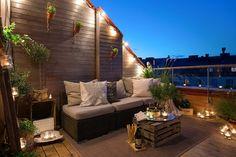 Una terraza abierta al cielo estrellado, perfecta para pasar las tardes de otoño http://decoratualma.blogspot.com.es/2013/10/atico-aguardillado.html