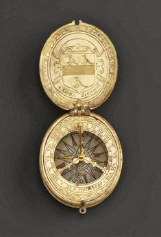 pocket sundial Ancient Jewelry, Antique Jewelry, Globes Terrestres, Renaissance, Pocket Watch Antique, Sundial, Instruments, Antique Clocks, Objet D'art