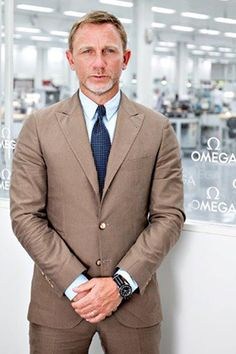 Omega's SPECTRE Timepiece - Daniel Craig has launched Omega's new SPECTRE wristwatch by visiting the factory in Villeret, Switzerland :: Collecting :: MI6 :: The Home Of James Bond 007