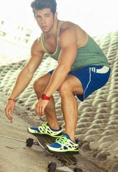 Miami's sizzling fitness hunk, Julian Gabriel, gets an excellent portfolio update by talented photographer Leonardo Holanda.