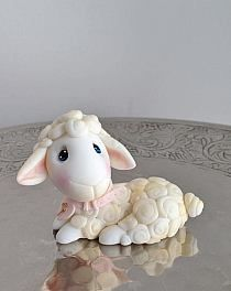 Little Lamb - Baptism Topper - Cake Whisperer Clay Art Projects, Polymer Clay Projects, Diy Clay, Polymer Clay Figures, Polymer Clay Animals, Fondant Figures Tutorial, Fondant Animals, Clay Fairies, Cute Clay